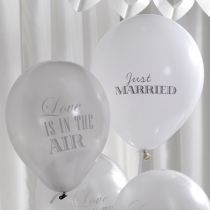 Just married ilmapallot
